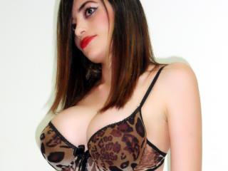 DivaBonny show sex