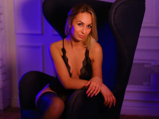 EvelinHott Xlovecam model photo