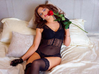 GoldieCody模特的性感個人頭像,邀請您觀看熱辣勁爆的實時攝像表演!