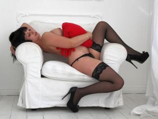 Foto de perfil sexi, da modelo LolitaHotSquirtAnal, para um live show webcam muito quente!