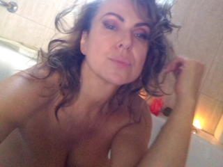 Photo de profil sexy du modèle SweetAriell, pour un live show webcam très hot !