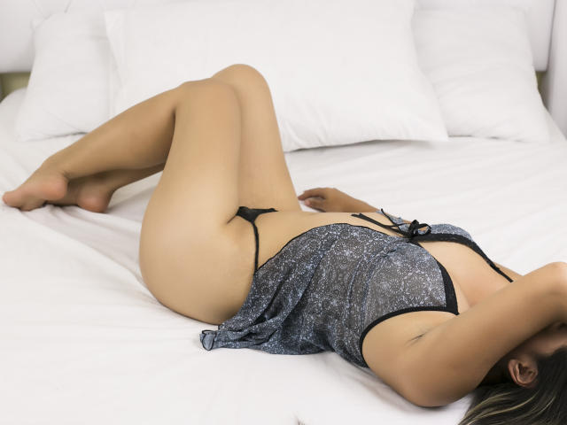 Picture of the sexy profile of LolaSeduction, for a very hot webcam live show !