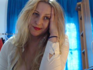 EvelinForU erotic webcam show