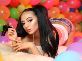 JuliaJoy - 在XloveCam?欣赏性爱视频和热辣性感表演