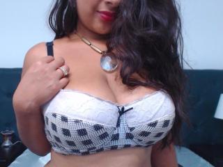 CrystalSainz - 在XloveCam?欣賞性愛視頻和熱辣性感表演