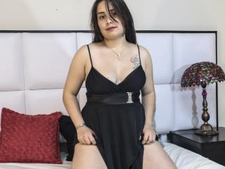 Sexy profile pic of CarmelAnderson