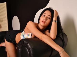 Sexy profile pic of MarinaMay