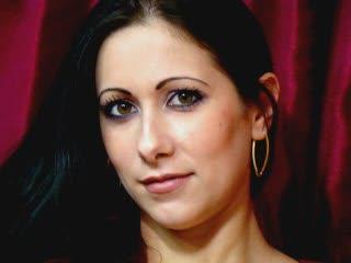 Photo de profil sexy du modèle AngeliqueHot, pour un live show webcam très hot !