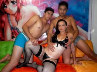 DirtySexLatin模特的性感个人头像,邀请您观看热辣劲爆的实时摄像表演!