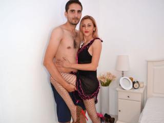 Foto de perfil sexy de la modelo HotBiCoupleNoLimits, ¡disfruta de un show webcam muy caliente!