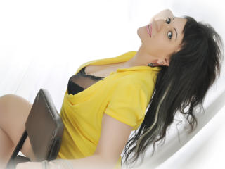 Picture of the sexy profile of HottDeluxe, for a very hot webcam live show !