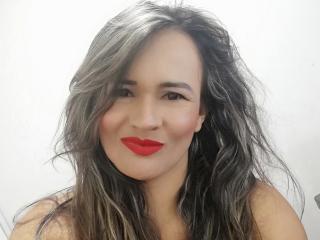 Velmi sexy fotografie sexy profilu modelky IsaDeep pro live show s webovou kamerou!