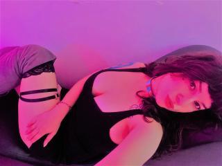 Foto de perfil sexy de la modelo JuliCheeseCake, ¡disfruta de un show webcam muy caliente!