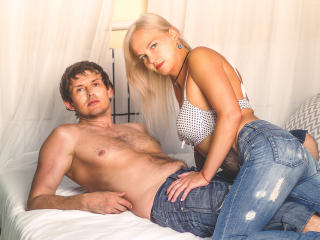 KiraAndSasha - online show sex with this European Female and male couple