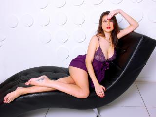 Foto del profilo sexy della modella LeraLopez, per uno show live webcam molto piccante!