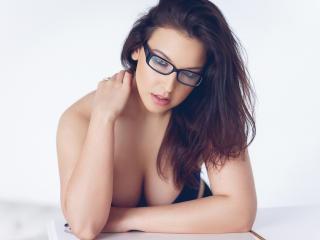 Velmi sexy fotografie sexy profilu modelky NikitaMezzardi pro live show s webovou kamerou!