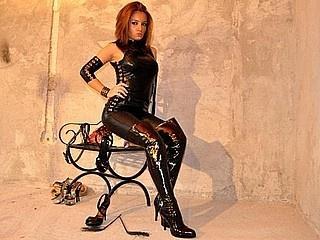 Foto de perfil sexy de la modelo RoyallMistress, ¡disfruta de un show webcam muy caliente!
