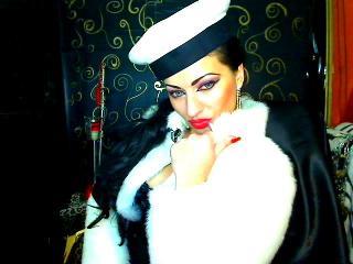 Photo de profil sexy du modèle TheCountess, pour un live show webcam très hot !