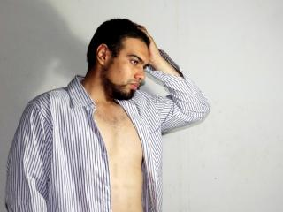 Picture of the sexy profile of TonyCasarao, for a very hot webcam live show !