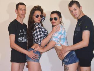 Photo de profil sexy du modèle XCrazyFourSomeX, pour un live show webcam très hot !