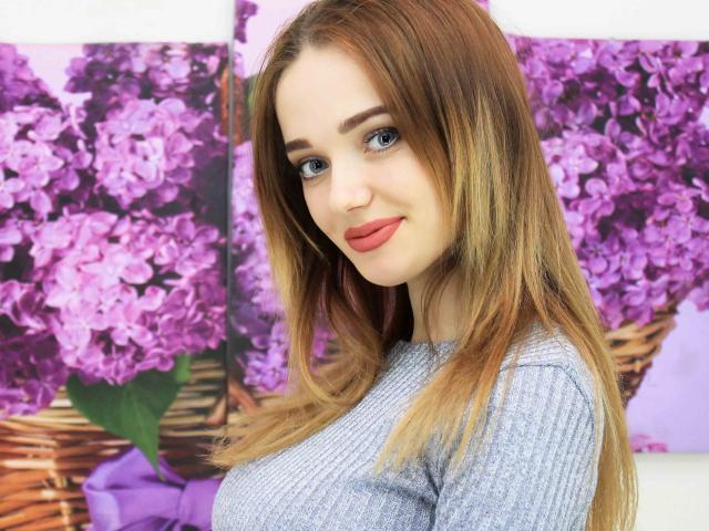 Foto del profilo sexy della modella EmiLiaW, per uno show live webcam molto piccante!