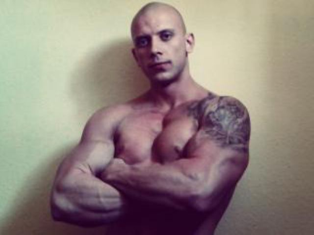 Picture of the sexy profile of HornyXmuscle, for a very hot webcam live show !