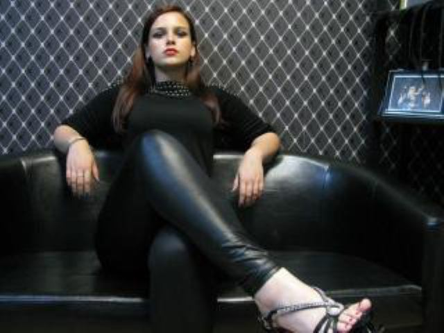 Picture of the sexy profile of MissChatterly, for a very hot webcam live show !