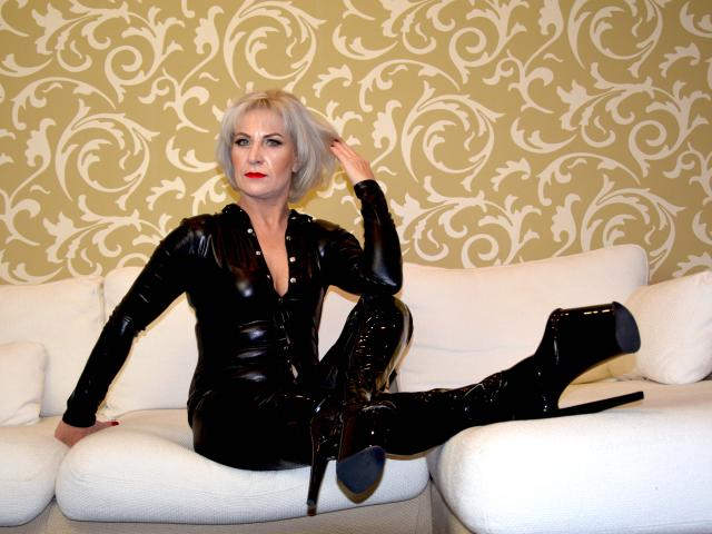Photo de profil sexy du modèle TanyaMistress, pour un live show webcam très hot !