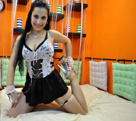 CinnaBonne - Sexy live show with sex cam on XloveCam