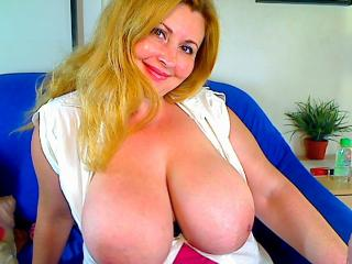 BustyPrettyWoman - Show sexy et webcam hard sex en direct sur XloveCam®