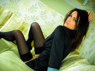 FamousNaty - Sexy live show with sex cam on XloveCam