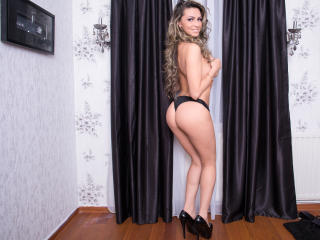 BustyAlyssa - Sexy live show with sex cam on XloveCam