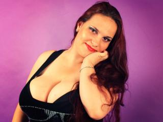 CharmanteHanna - Sexy live show with sex cam on XloveCam