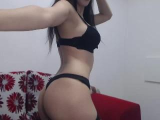Yselia - Sexy live show with sex cam on XloveCam