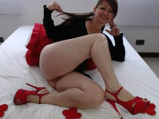 IskraGlam - Sexy live show with sex cam on XloveCam®