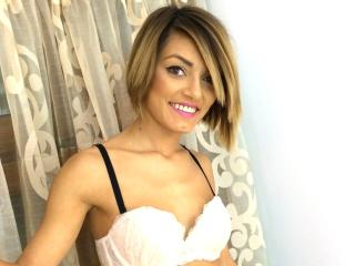 GlamorYnna - Sexy live show with sex cam on XloveCam