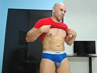 BenjaminSex - Sexy live show with sex cam on XloveCam