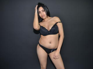 HugeTitsDeea - Sexy live show with sex cam on XloveCam