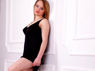 Amelly - Sexy live show with sex cam on XloveCam