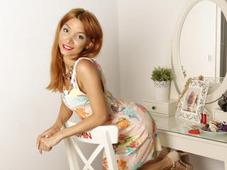 LaraJoy - Webcam x with a shaved sexual organ Girl