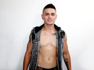 KevinLondon - Sexy live show with sex cam on XloveCam