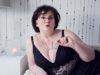 Sexy nude photo of DorisMature