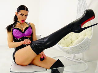SherlisMoon - Sexy live show with sex cam on XloveCam