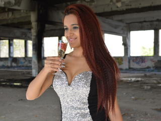 SweetLoraForYou - online show x with this shaved intimate parts Hot babe