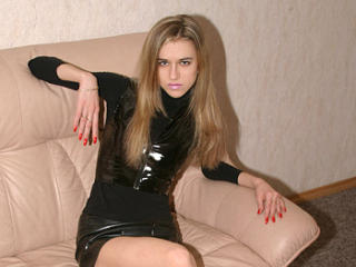 BeautyXXJulia - Show live x with this brown hair Young and sexy lady