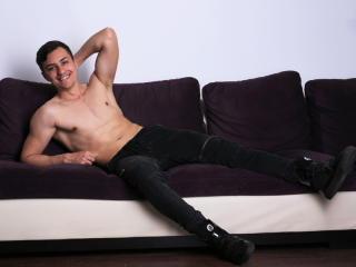 Sexy nude photo of EthanTyler