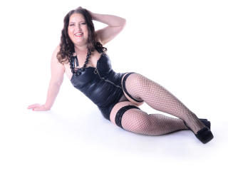PleasureMilf - Sexy live show with sex cam on XloveCam