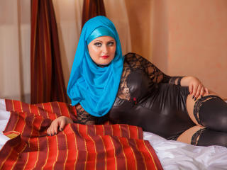 Asira - Chat live sexy with a immense hooter Sexy babes