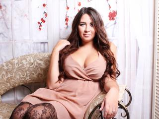 SofiaDevil - Web cam exciting with this standard build Hot chicks