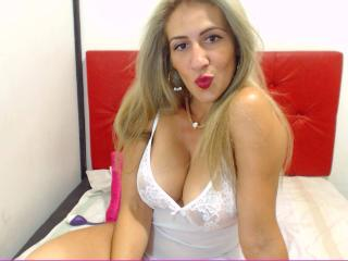 Angii - Sexy live show with sex cam on XloveCam®